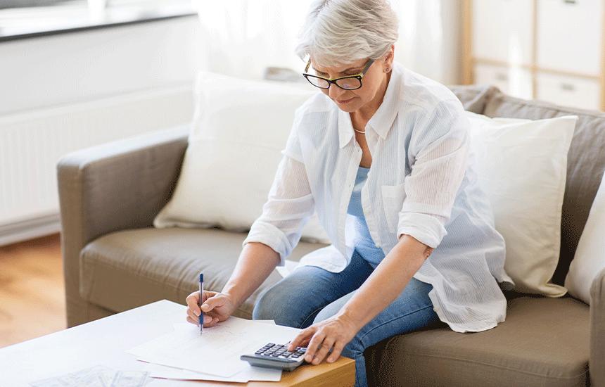 年金受給者でもカードローンを利用することはできますか?